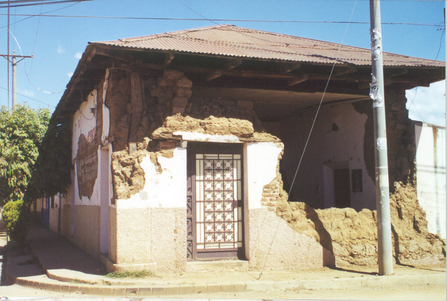 Damage in the town of Juayua due tothe January 13, 2001 earthquake