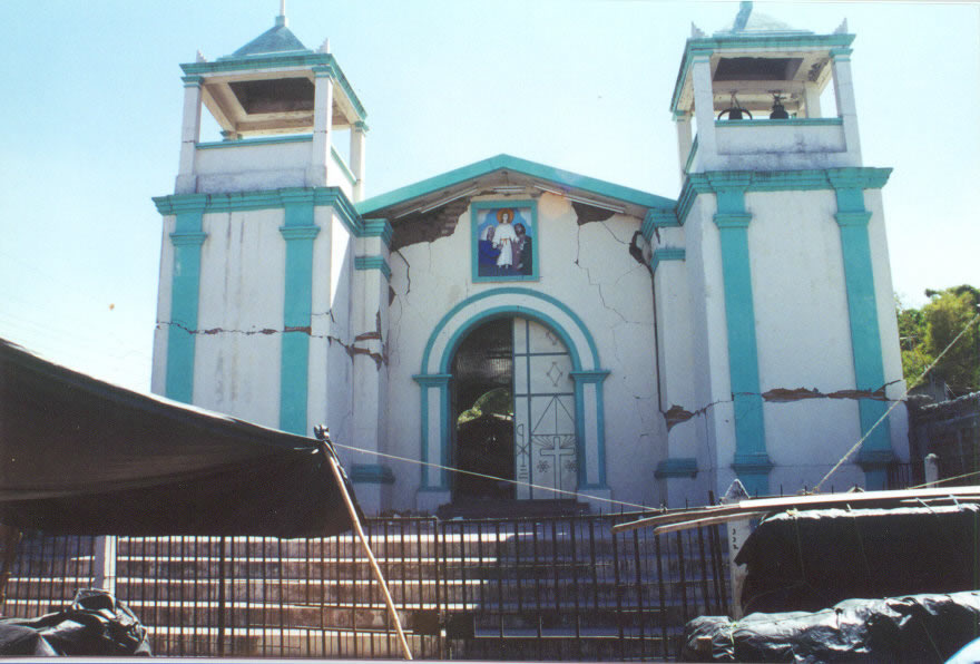 The San Jose church, Cojutepeque,damaged in the 13 February 2001 earthquake