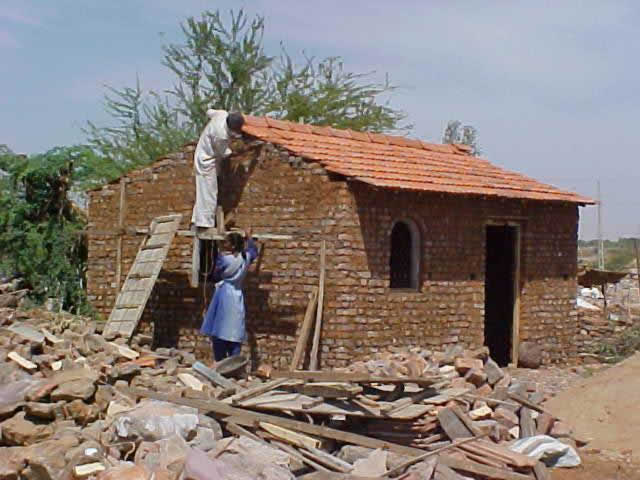 Key Loadbearing Elements: Laying of Magalore Roof Tiles (Source: Sudhir K. Jain, IIT Kanpur)