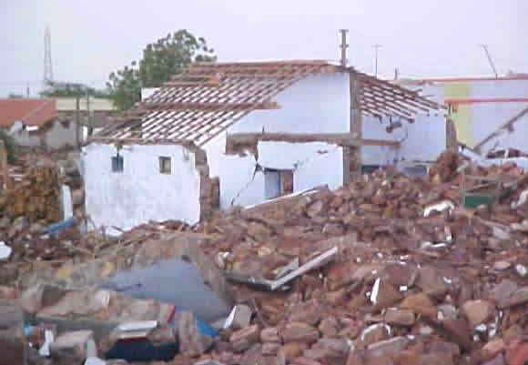 Typical Earthquake Damage: Collapse of Roof and Walls of a Brick Lime Mortar House in the 2001 Bhuj Earthquake (Source: Sudhir K. jain, IIT Kanpur)