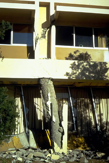 Detail view of the behavior of one of the first and second story columns in the Olive View Medical Treatment and Care Unit during the 1971 San Fernando Earthquake. Note the large permanent distortion of the first story column.
