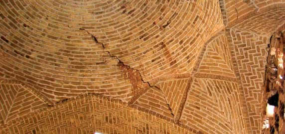 1- Cracks in the dome-roof (it may not have been caused by an earthquake). Photo fromKerman bazaar, in the city of Kerman