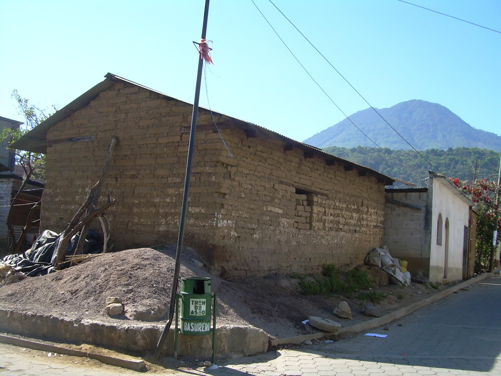 World housing encyclopedia whe for Building an adobe house
