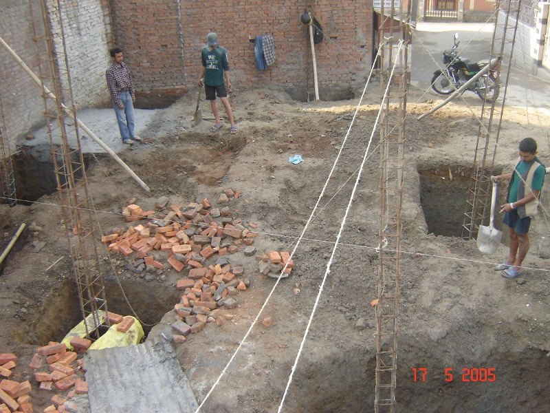 Isolated footings under construction