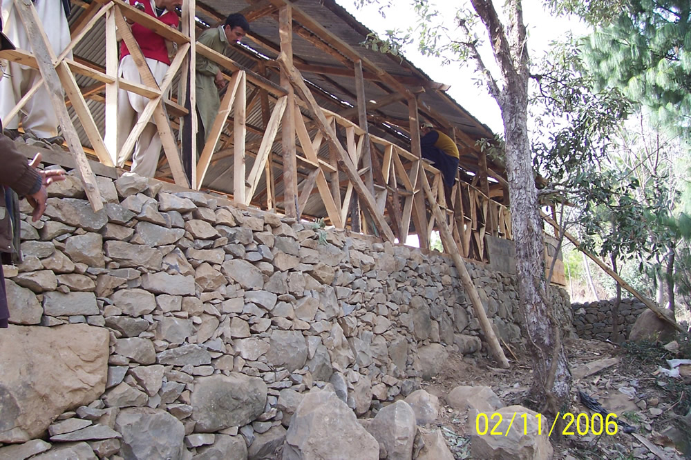 Dhajji frame built on a poor quality dry