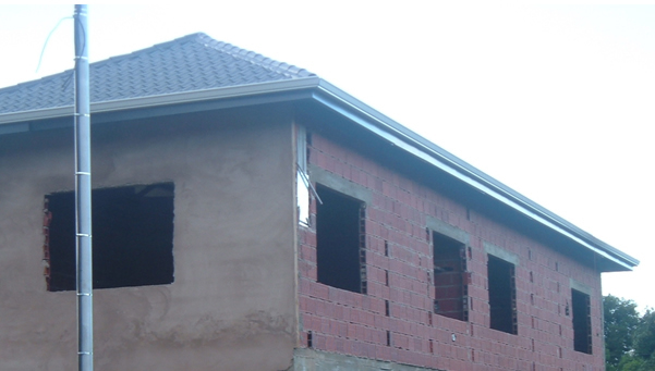 Photo of URM clay tile house