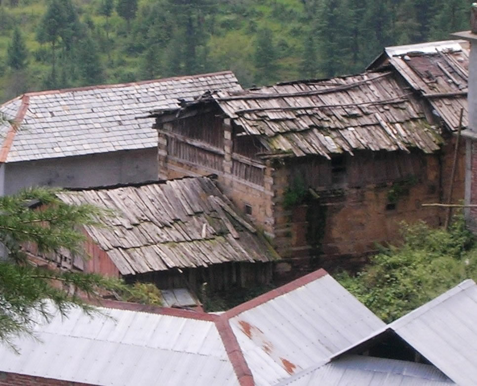 A Thathara house with the traditional roof covering type using 