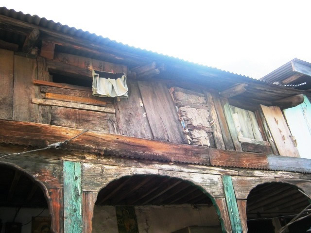 A house where the Thola can be seen above the 